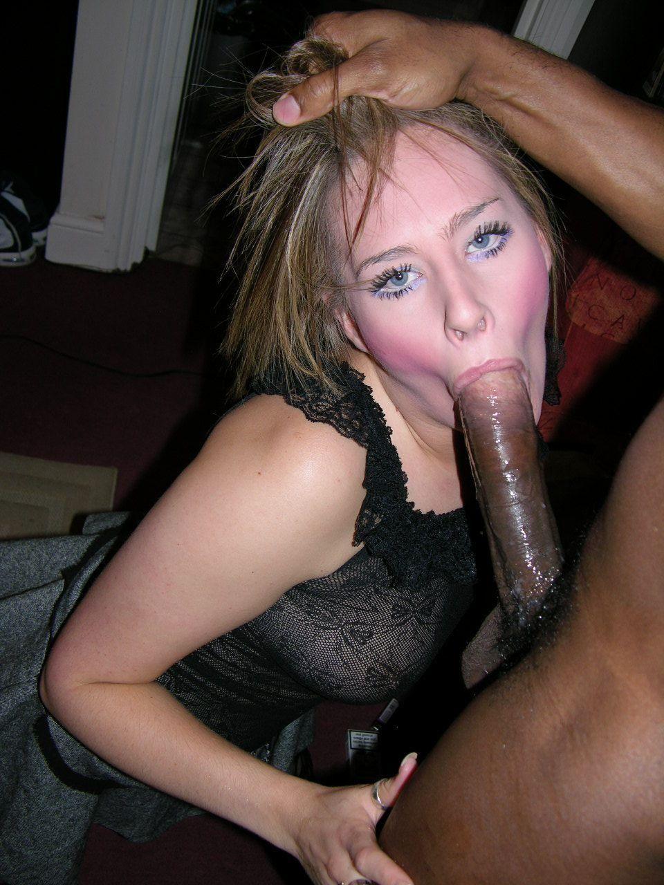 Plump wife alexsis sweet fucks her hot ass with a dildo 9