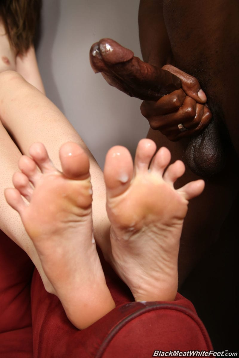 Eating Black Cum Off White Feet: A Whiteboi Treat