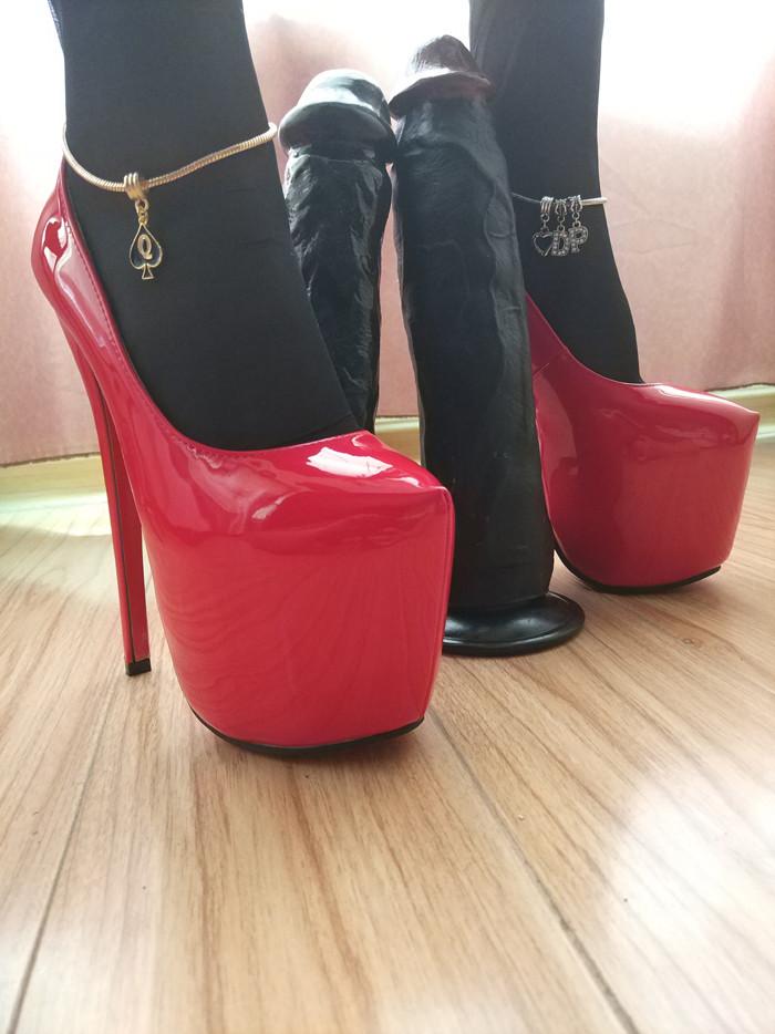 Queen of Spades Anklet - image queen-of-spades-anklet-14 on https://blackcockcult.com