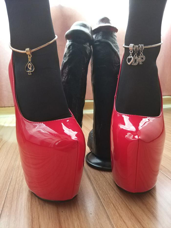 Queen of Spades Anklet - image queen-of-spades-anklet-15 on https://blackcockcult.com