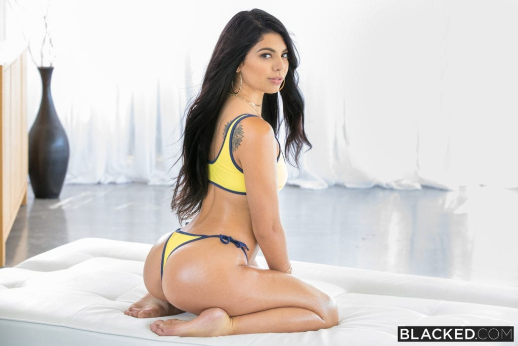 Gina Valentina Blacked - image Gina-Valentina-Blacked-12-1024x683 on https://blackcockcult.com