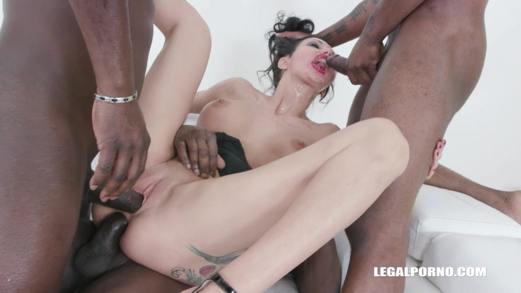Italian MILF Laura Fiorentino Gets Used Up and Pissed On - image Italian-MILF-Gangbanged-and-Pissed-On-10-1024x576 on https://blackcockcult.com