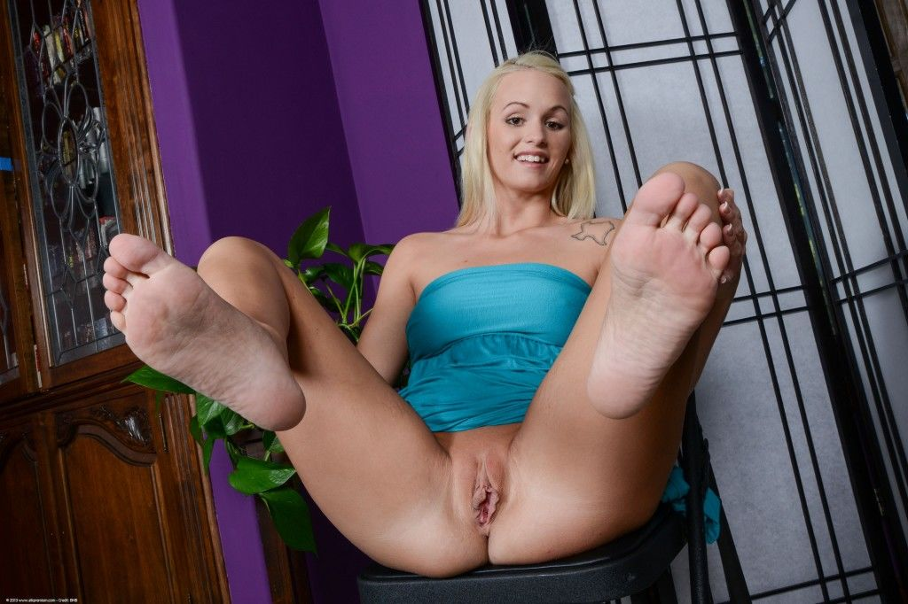 Emily Austin Turns Whitebois Into Foot Addicted Sissies - image Emily-Austin-Turns-Whitebois-Into-Foot-Addicted-Sissies-24 on https://blackcockcult.com
