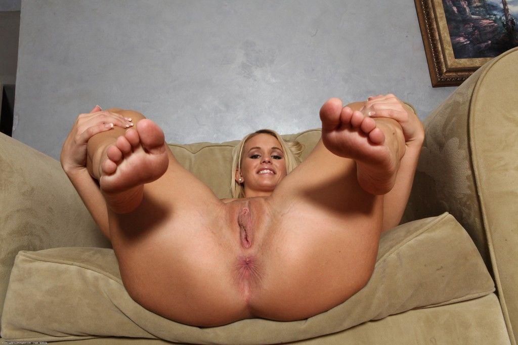 Emily Austin Turns Whitebois Into Foot Addicted Sissies - image Emily-Austin-Turns-Whitebois-Into-Foot-Addicted-Sissies-32 on https://blackcockcult.com