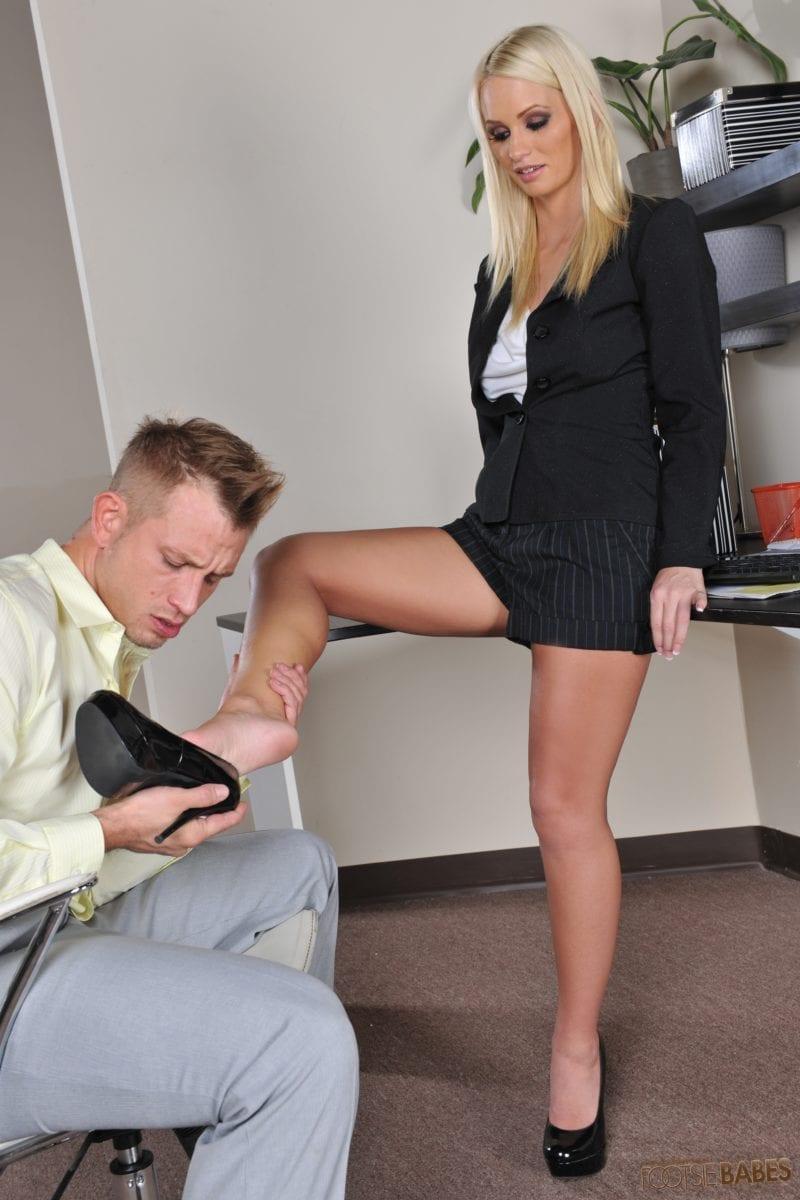 Emily Austin Turns Whitebois Into Foot Addicted Sissies - image Emily-Austin-Turns-Whitebois-Into-Foot-Addicted-Sissies-58-800x1200 on https://blackcockcult.com