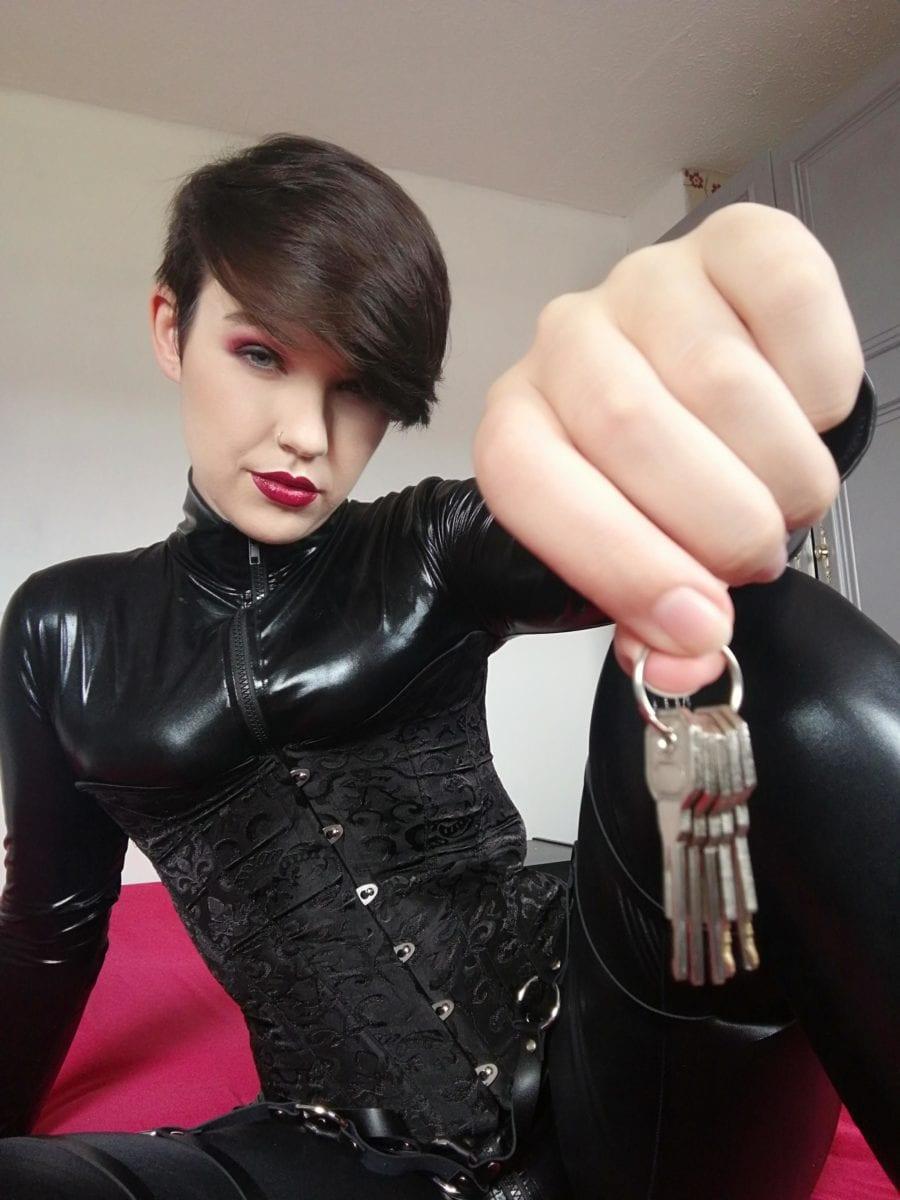 Chastity Keyholder Miss Kat - image j5hn5j7cpp651-900x1200 on https://blackcockcult.com